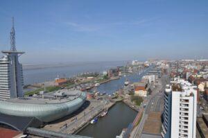 Blick auf Hafen und Nordsee