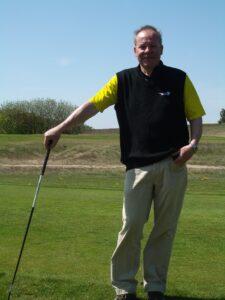 Didi auf dem Golfplatz